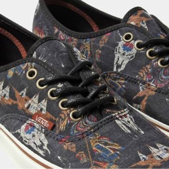 3057d1734eeb0e Vans Authentic (Tribal Leaders) Black